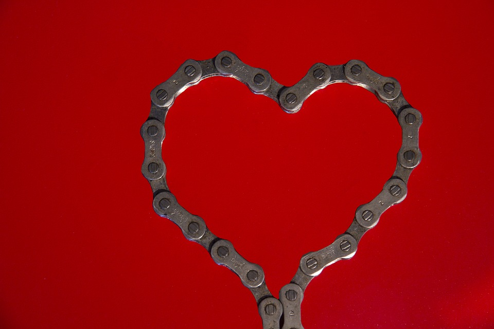 Chain Holiday Red Valentine's Day Bike Chain Heart