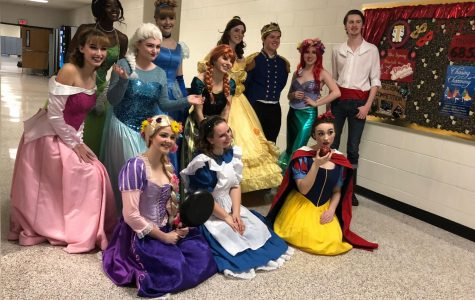 The princesses and princes all together.