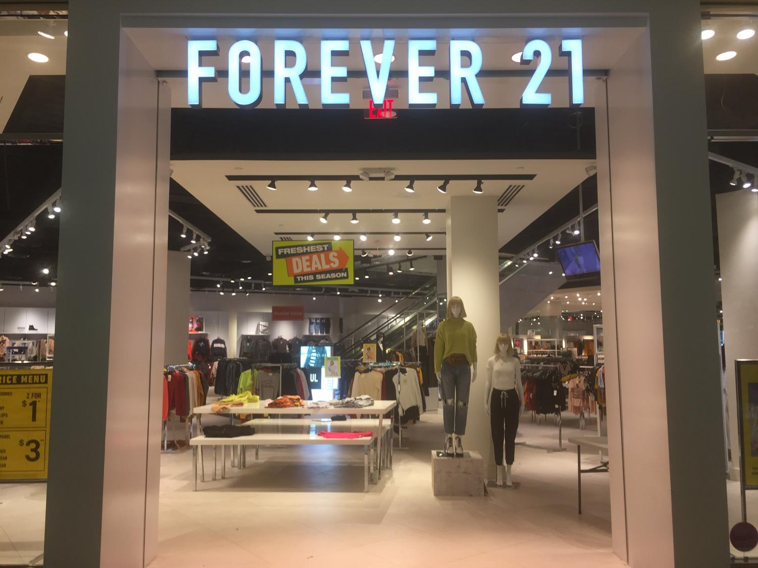 Front of Forever 21 in The Mall of Georgia.